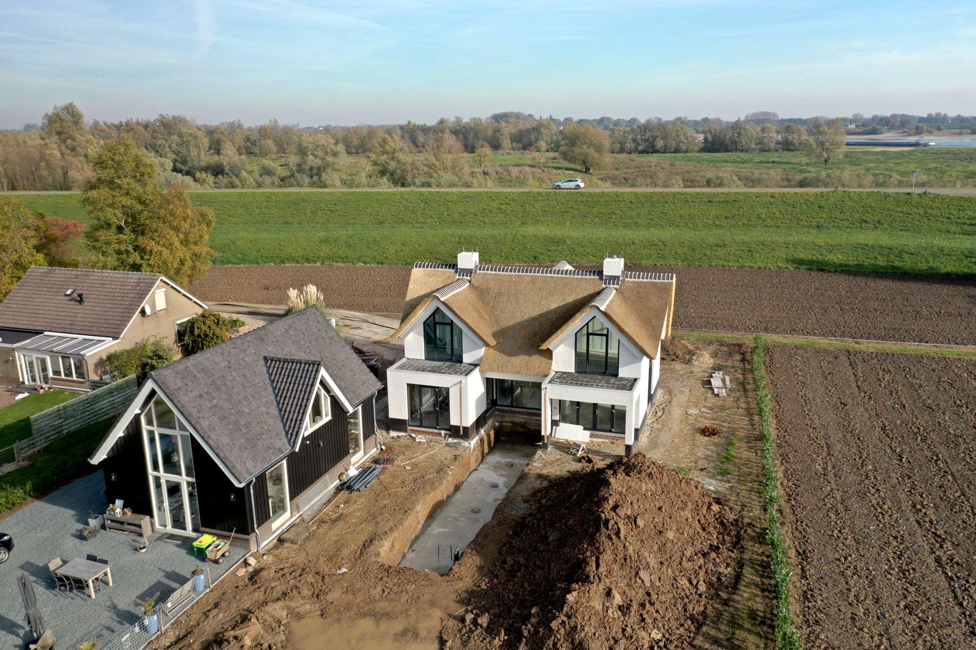 Een nieuwe opgedekte rieten dak | Rietdekkersbedrijf Scholman